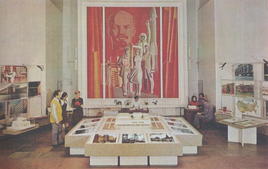 Post-Soviet museology: between an ideological rock and a hard place of entertainment
